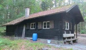 Geschlossene Schutzhütte